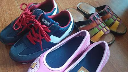20150828女兒的鞋子