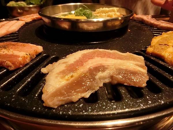 台中逢甲一號店-啾哇嘿喲 韓式烤肉專賣店