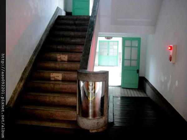 2015122221樓梯間
