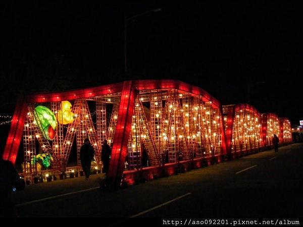 1202西螺大樓點燈
