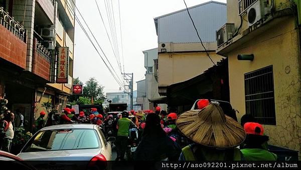 2016110608行經小巷