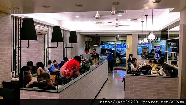 2016120906用餐區2