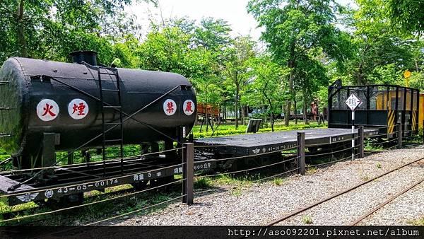 2016121813油罐車板車等車廂