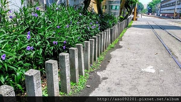 2016121817石柱作成的護欄