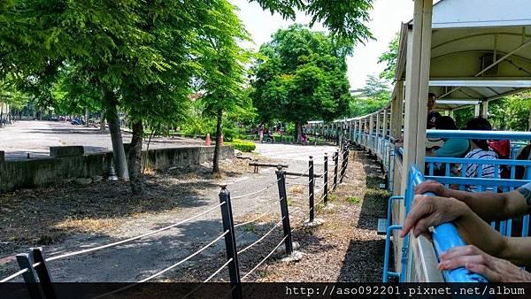 2016121846火車經過廠區
