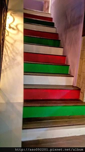 2016122317往閣樓的樓梯