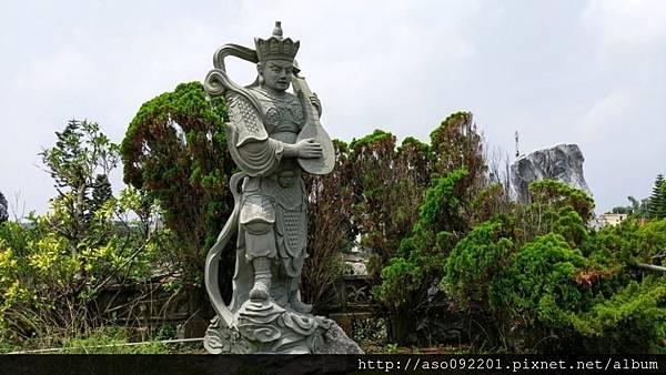2016122433瞭望台上神仙雕飾