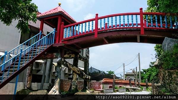 2016122443紅色拱橋