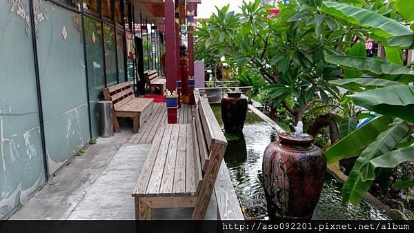 2017010603庭園水池
