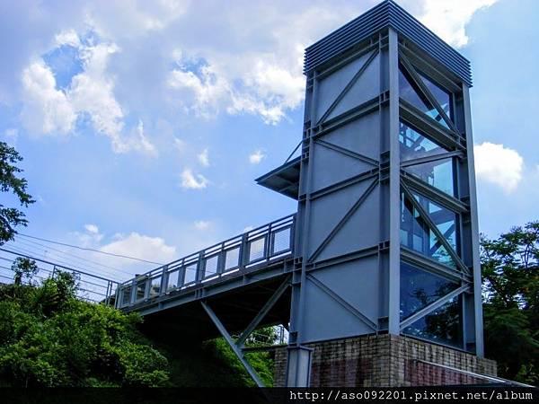 2017011304往舊鐵橋的無障礙電梯