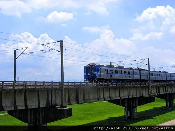 2017011316一列電車通過