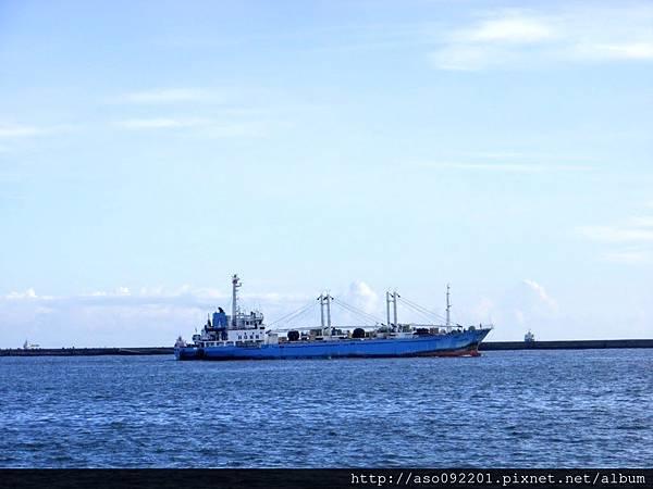 2017011517藍色船出港