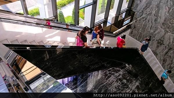 2017022264通往二樓的樓梯