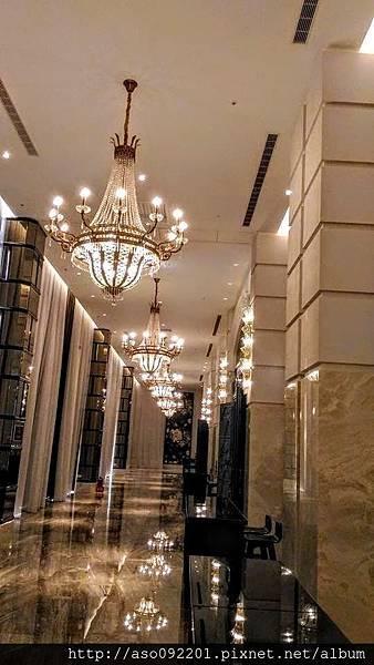 2017022265二樓宴會廳的迴廊