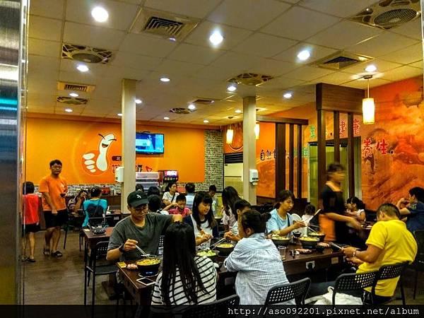 2017030704店內的用餐人潮