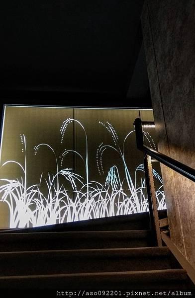 2017061510樓梯間的稻海意象