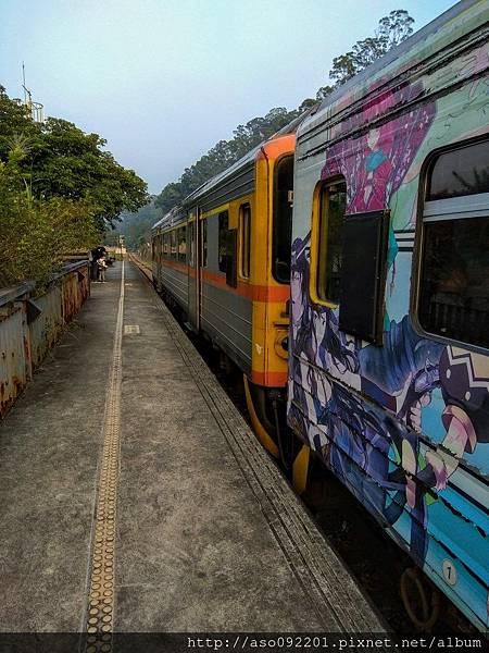 2017061802火車停靠合興車站