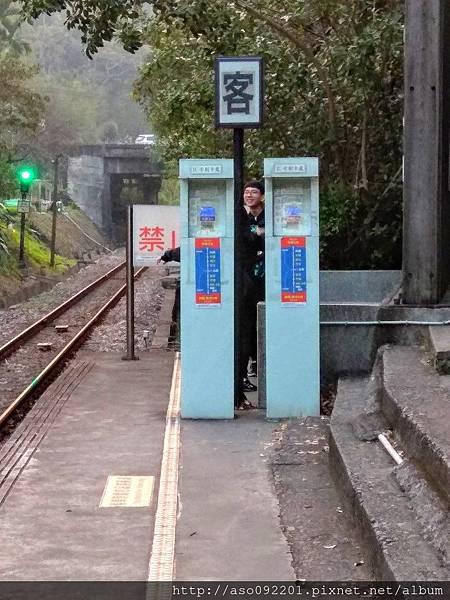 2017061805車站月台的刷卡機