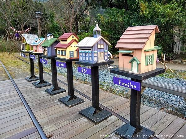 2017061818車站旁的鳥屋