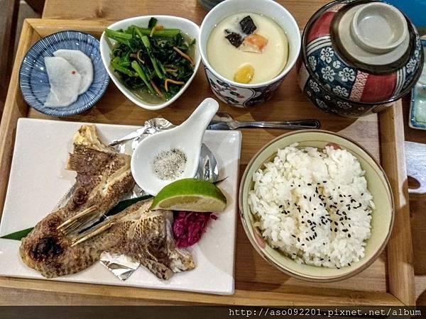 2017070913鹽烤魚下巴定食