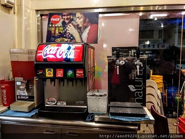 2017071208自助飲料區