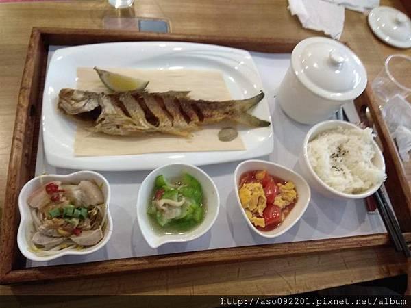 2017071910乾煎鮮魚