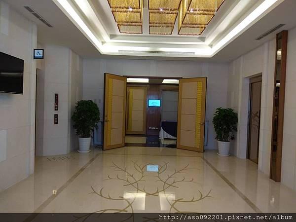 2018021003電梯玄關