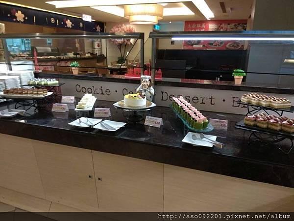 2018021076蛋糕取餐吧台