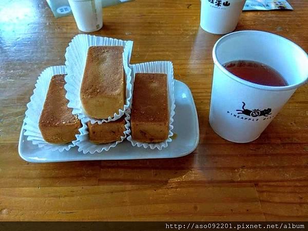 2018022007鳳梨酥與熱茶