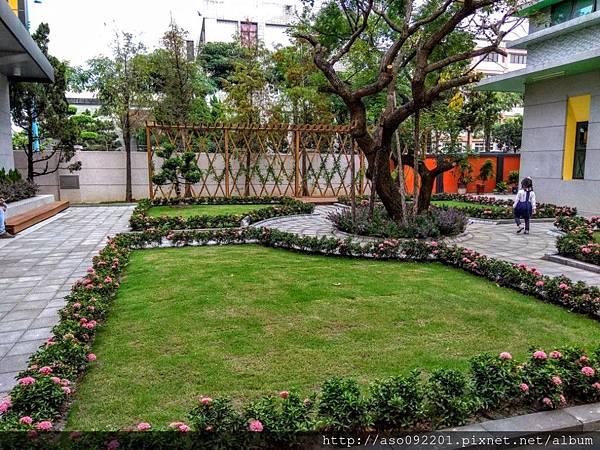 2018121006小花園1