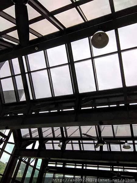 2018121726天空玻璃窗.jpg