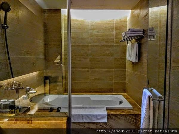 2018121828浴室