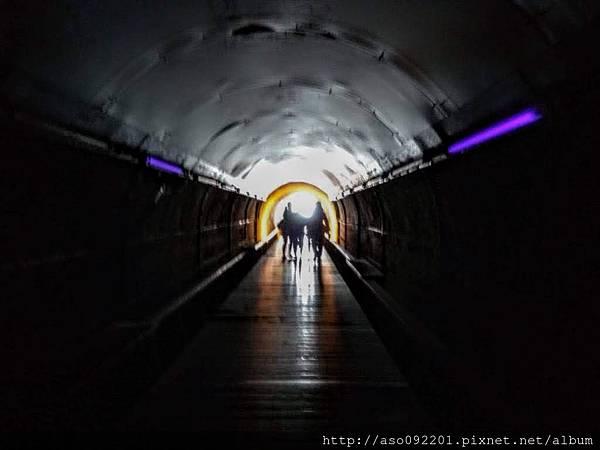 2018122019隧道內