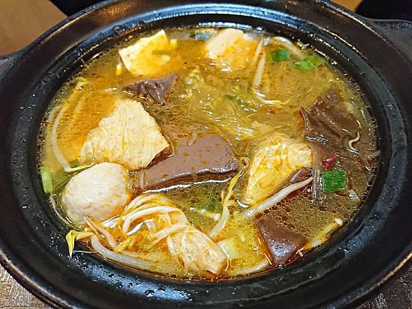 老傳牛肉麵 (1)