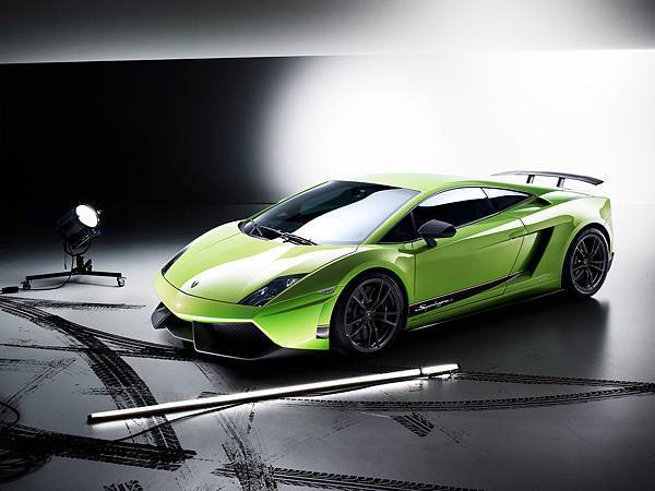 2010-Lamborghini-Gallardo-LP-570-4-Superleggera-Front-And-Side-1280x960[1].jpg