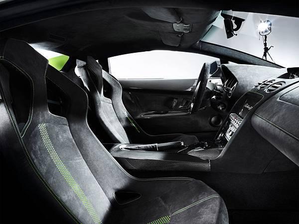 2010-Lamborghini-Gallardo-LP-570-4-Superleggera-Interior-1280x960[1].jpg