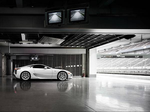 2012-Lexus-LFA-White-Side-1280x960[1].jpg