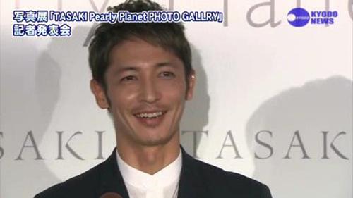 玉木宏  (珍珠展)   nikkansports.com[(006242)17-56-28]