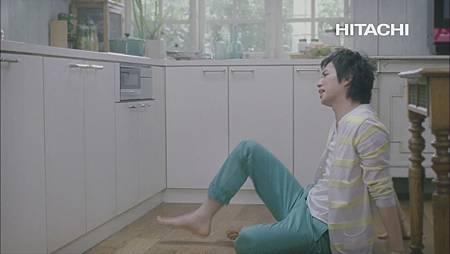 [CM] 松本潤&二宮和也&大野智 - 日立「ヘルシーシェフ 次からはレンジ」篇 (1080p)[19-57-16].JPG