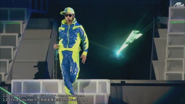 ARASHI 10-11 TOUR Scene~君と僕の見ている風景~STADIUM disc2[(063587)11-04-51].JPG