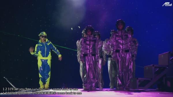ARASHI 10-11 TOUR Scene~君と僕の見ている風景~STADIUM disc2[(064660)11-05-41].JPG