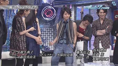 [AY][HDTV]080817 Music Lovers ARASHI[23-16-57].JPG