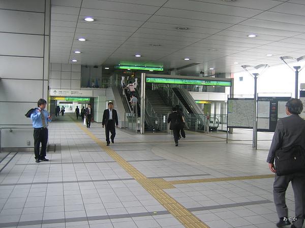 japan0607 367-1.jpg