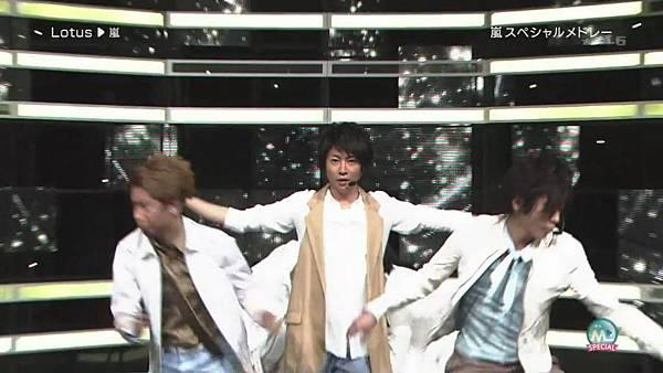 2011.04.01 嵐 スペシャルメドレー (720p)[11-11-37].JPG