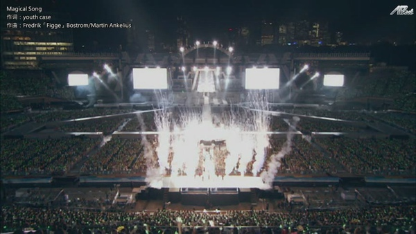 ARASHI 10-11 TOUR Scene~君と僕の見ている風景~STADIUM disc2[(069906)11-06-58].JPG