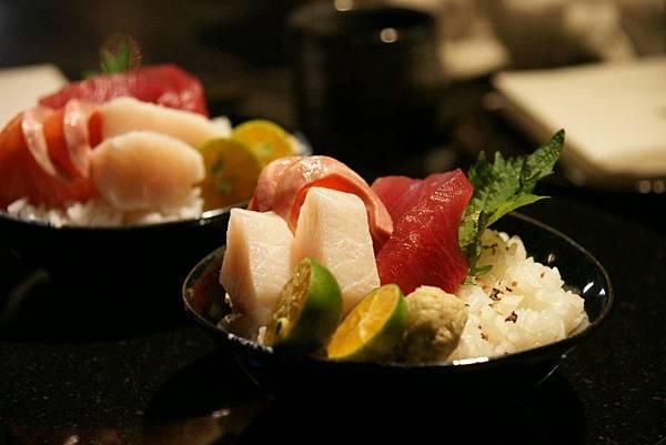綜合海鮮散壽司1.JPG
