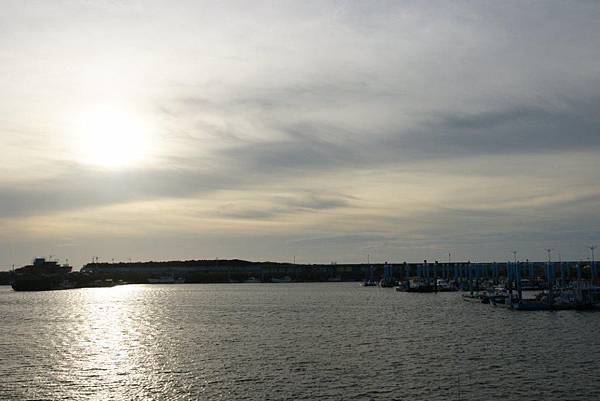 黃昏下的南寮漁港1.JPG