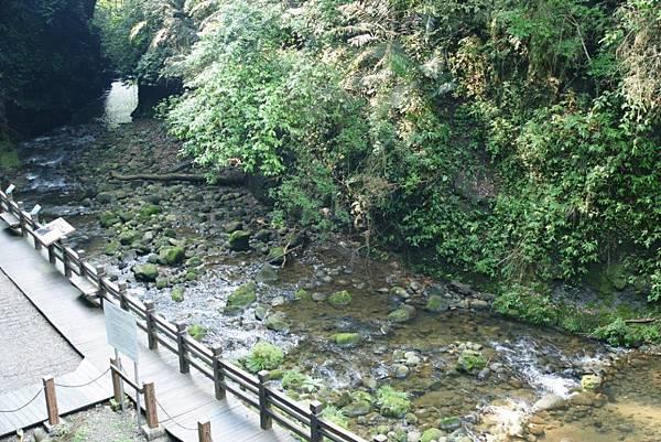 石子溪.JPG