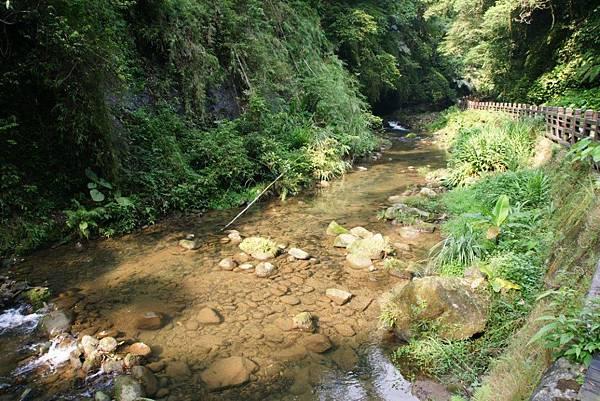 石子溪1.JPG