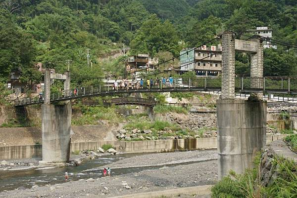 清泉吊橋1.JPG